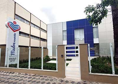 fachada-escola-madre-anatolia-2021